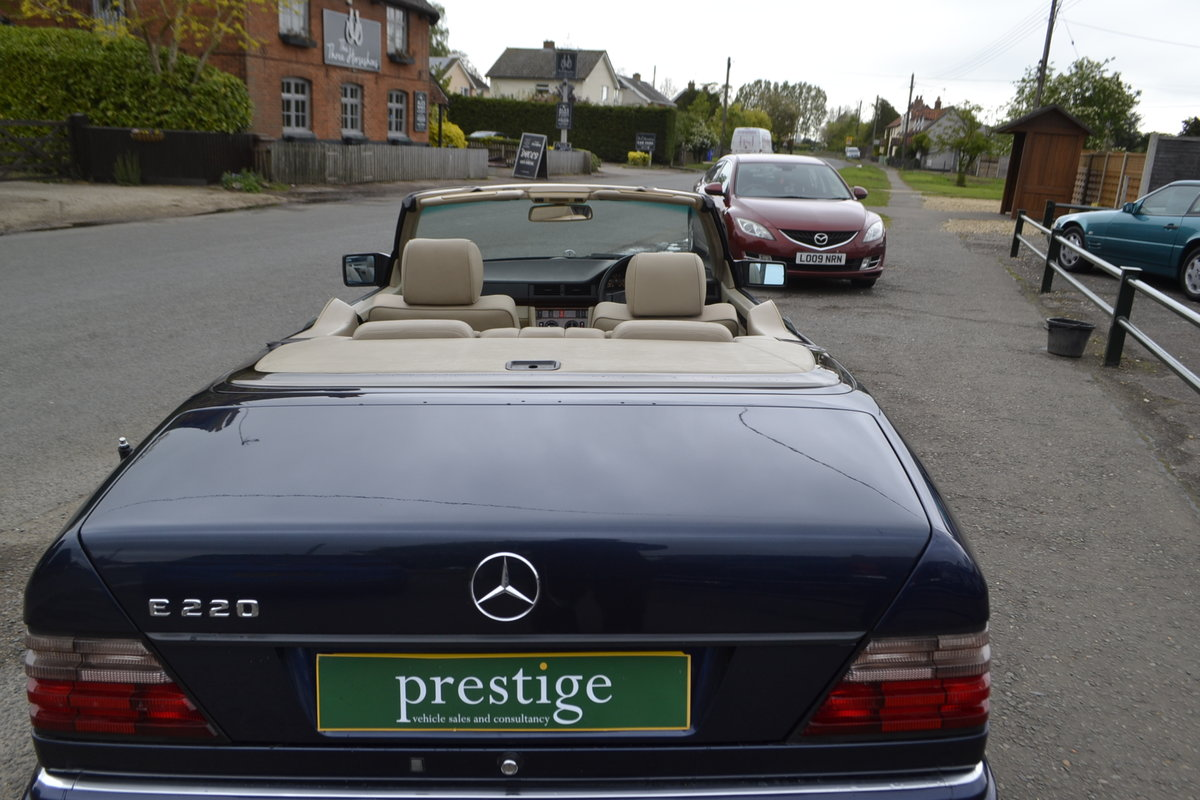 1996 Mercedes E220 Cabriolet – 4 seater For Sale (picture 19 of 19)