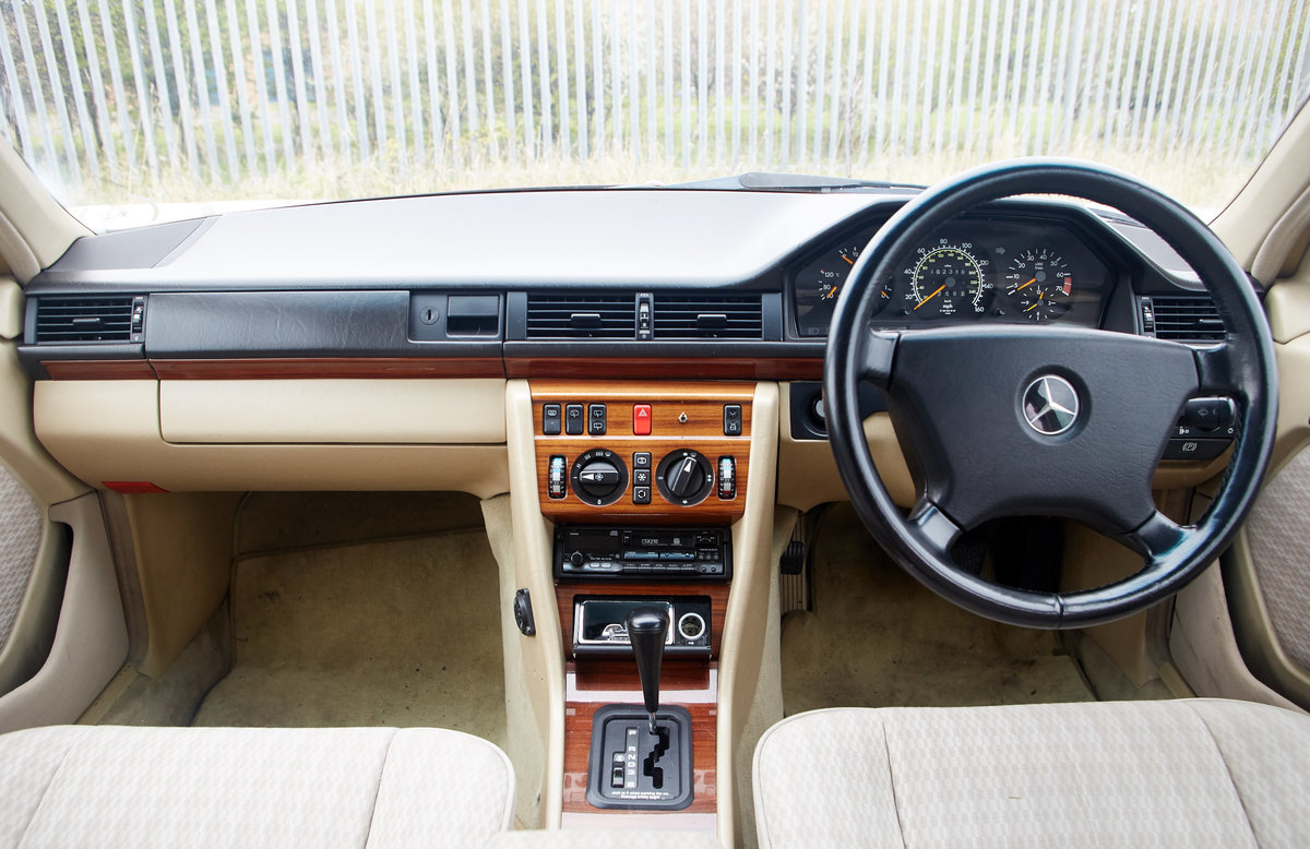 1992 Mercedes Benz 300TE W124 For Sale (picture 5 of 6)