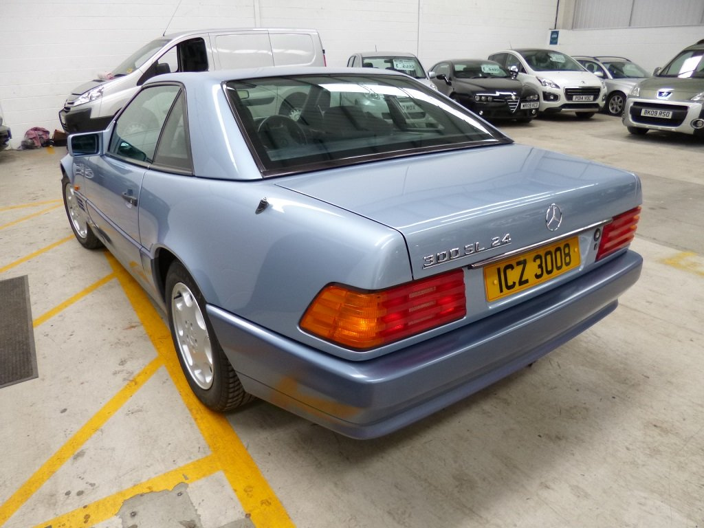 1992 MERCEDES r129 300SL 24V ABSOLUTLEY STUNNING CAR  LOW MILEAGE For Sale (picture 3 of 6)