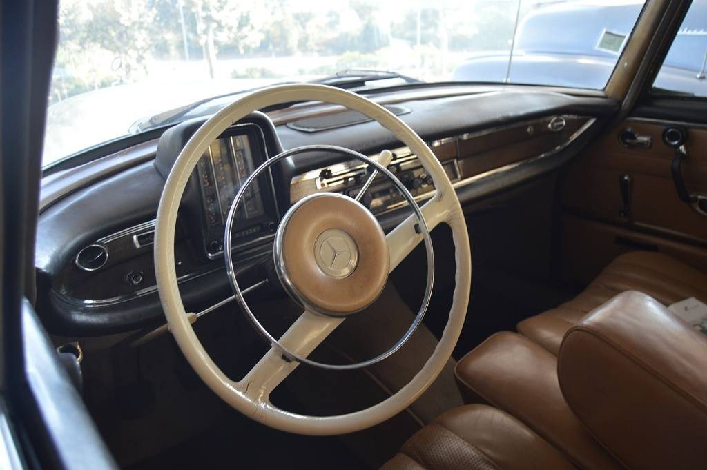 1960 Mercedes 220SEB For Sale (picture 4 of 6)
