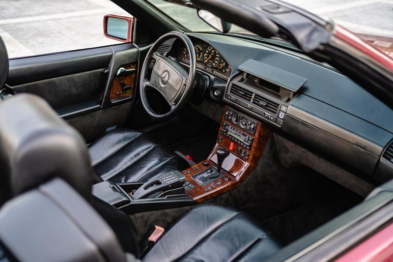 1980 1990 Mercedes 300Sl24 – 86.000Kms SOLD (picture 4 of 6)