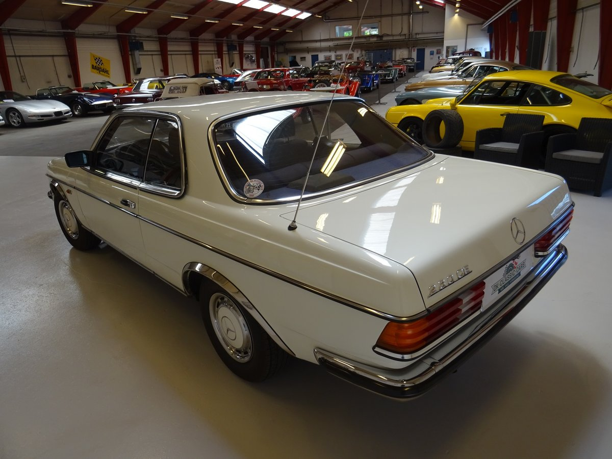 1980 Mercedes-Benz 230 CE (C123) For Sale (picture 2 of 6)