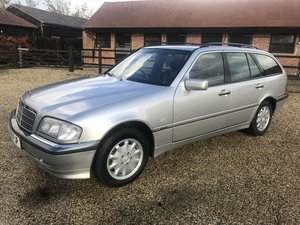 1999 rare in this condition classic mercedes  estate car  For Sale