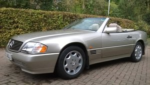 1995 Superb R129 SL320 in excellent condition For Sale
