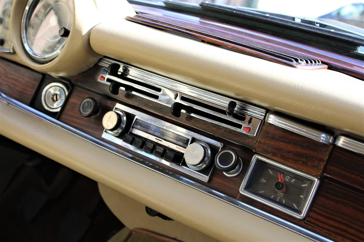 1968 – Mercedes-Benz 280 SE Cabriolet For Sale (picture 4 of 5)