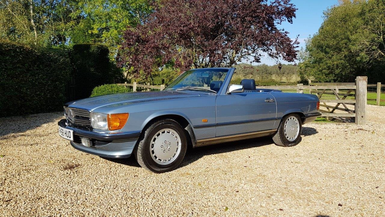 1988 Mercedes 300SL R107 -Family owned, full MB dealer s/h For Sale (picture 1 of 6)