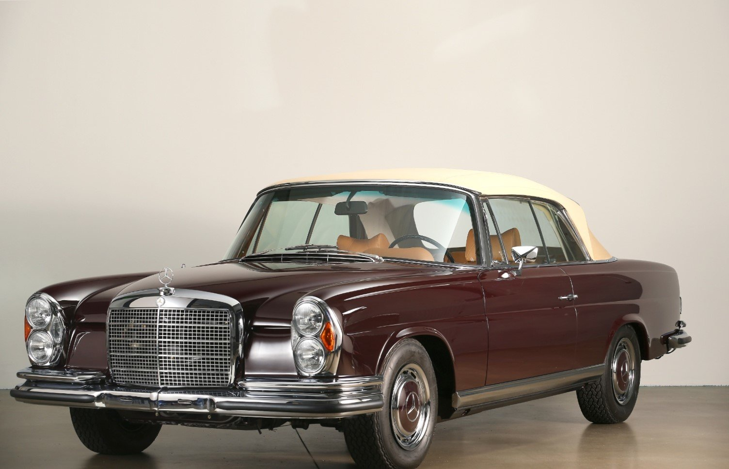 1970 280 SE W111 Concourse Restored - Collector's item For Sale (picture 4 of 6)