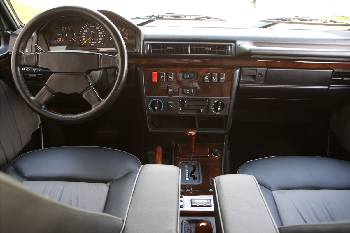 1993 1 OF ONLY 13 CARS EVER PRODUCED WITH AMG 6.0 For Sale (picture 5 of 6)