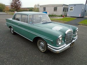 MERCEDES-BENZ 220S 4DR AUTO LHD FINTAIL (1961) GREEN  SOLD