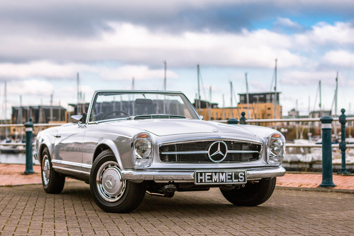 1969 Mercedes-Benz 280 SL Pagoda in Silver by Hemmels For Sale (picture 1 of 6)
