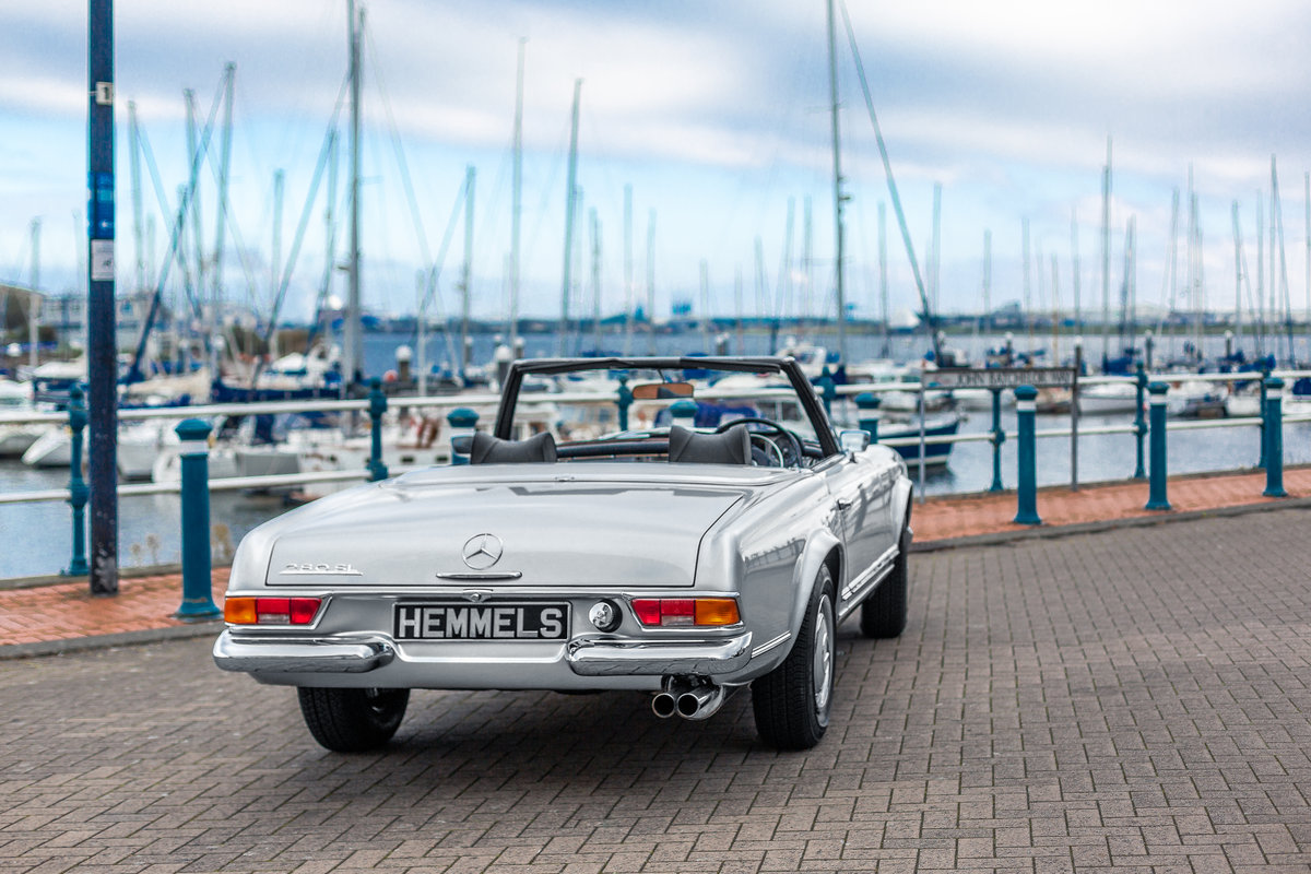 1969 Mercedes-Benz 280 SL Pagoda in Silver by Hemmels For Sale (picture 4 of 6)