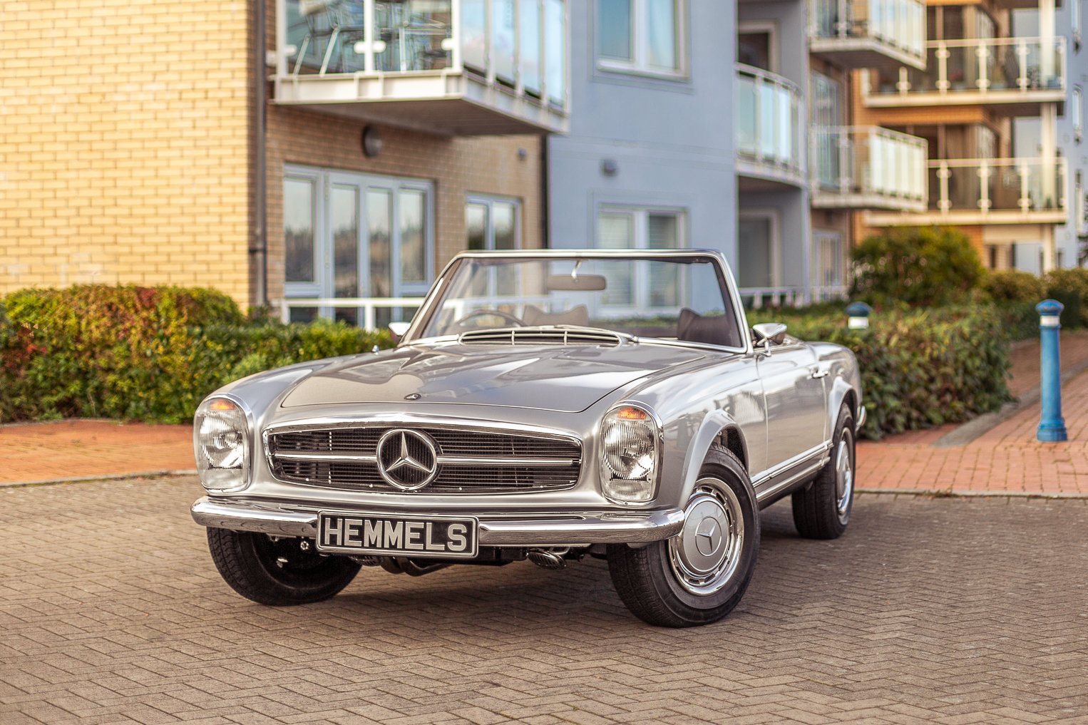 1969 Mercedes-Benz 280 SL Pagoda in Silver by Hemmels For Sale (picture 5 of 6)