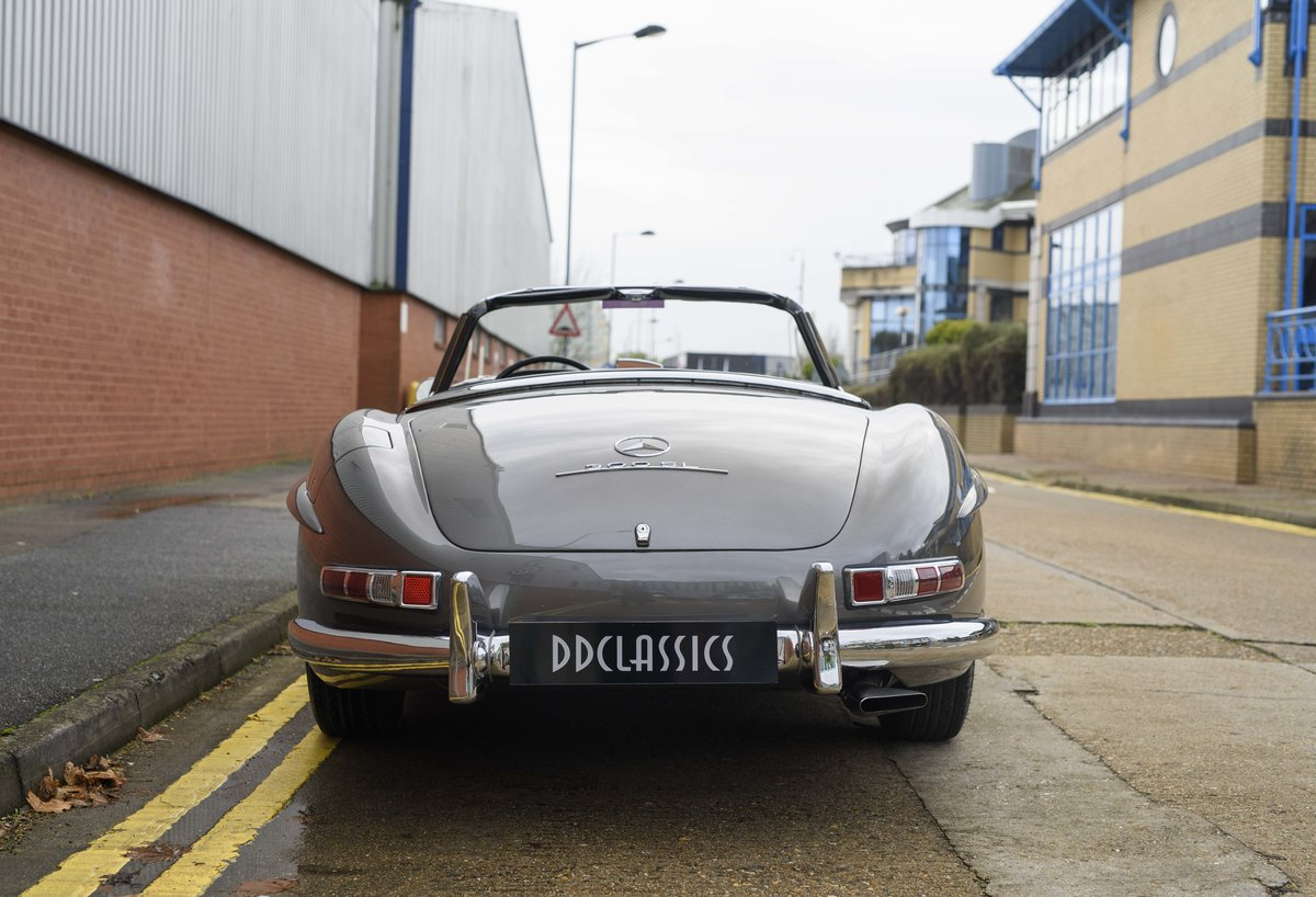 1958 Mercedes-Benz 300 SL Roadster For Sale In London ( LHD  For Sale (picture 8 of 20)