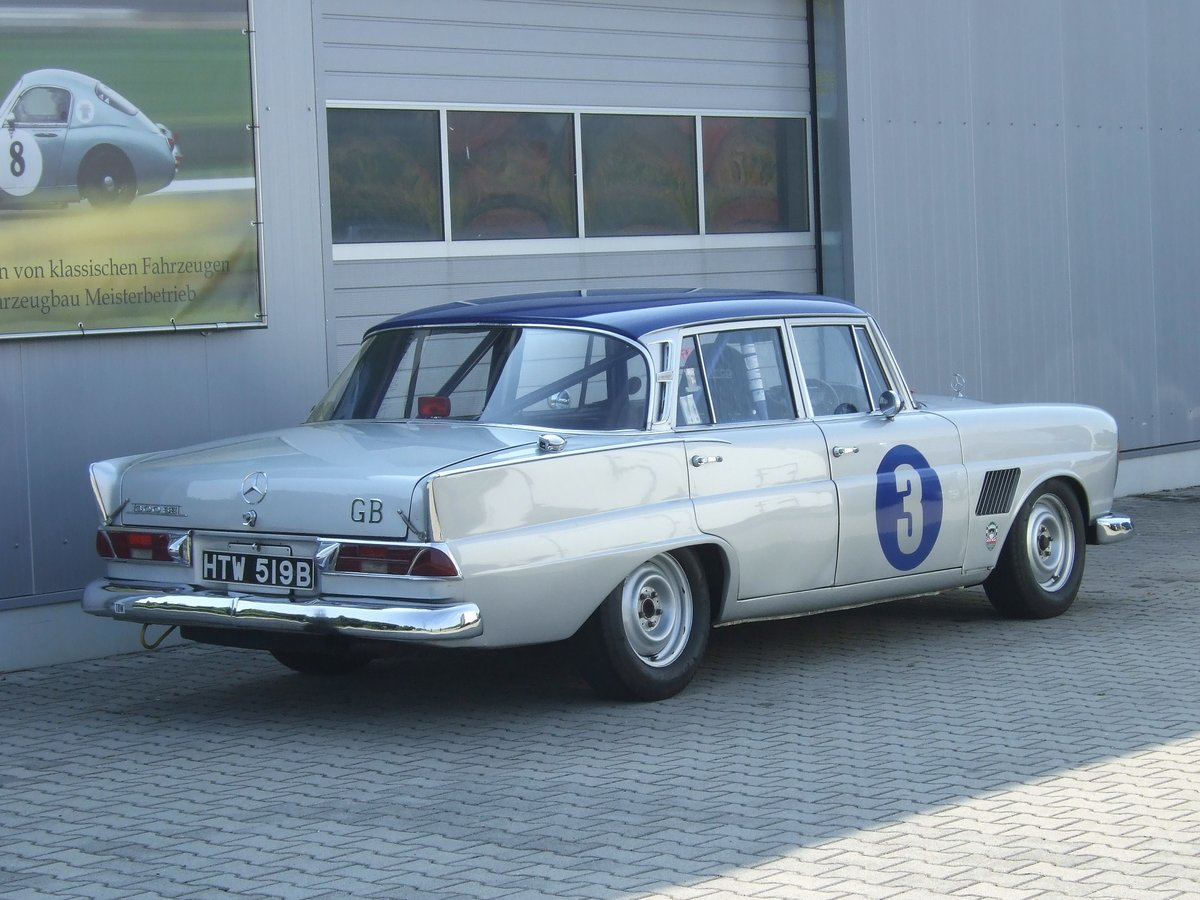 1964 10x Goodwood Revival, driven by Jack Brabham, R. Attwood, .. For Sale (picture 2 of 6)