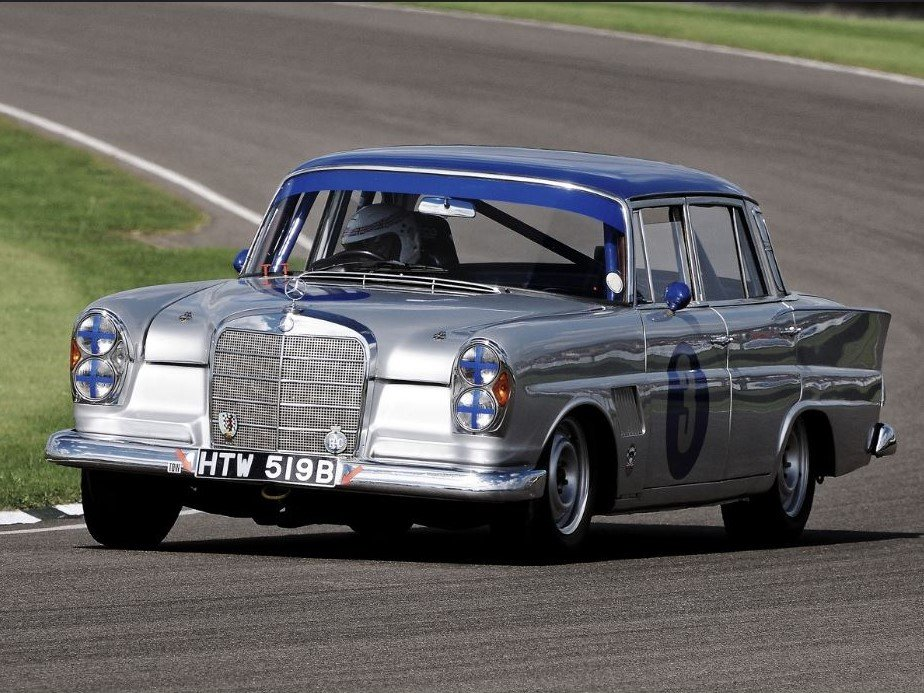 1964 10x Goodwood Revival, driven by Jack Brabham, R. Attwood, .. For Sale (picture 4 of 6)