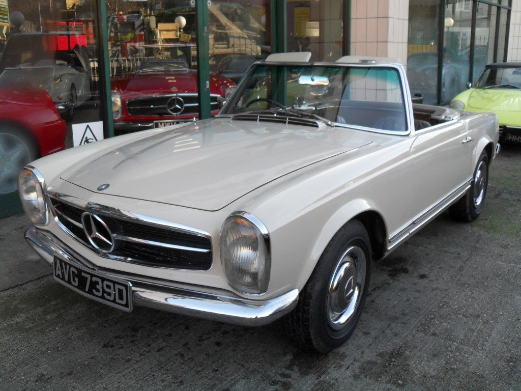 1966 Mercedes Benz 230SL  Pagoda one family owner from new For Sale (picture 1 of 5)