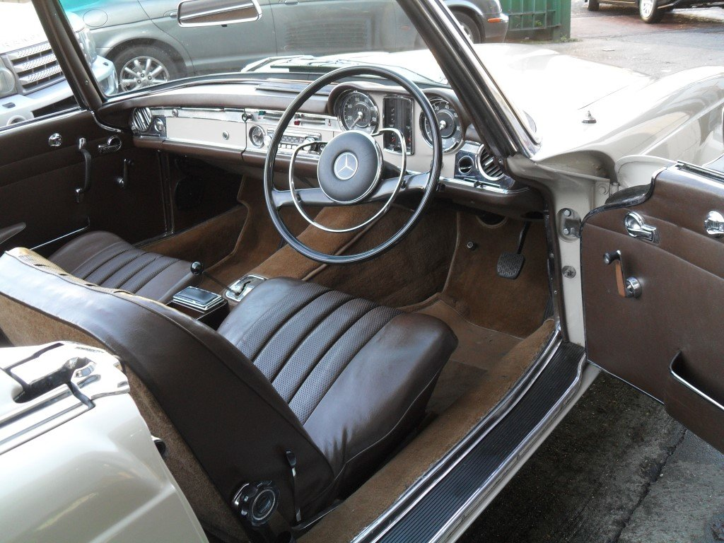 1966 Mercedes Benz 230SL  Pagoda one family owner from new For Sale (picture 4 of 5)