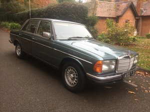 1983 Mercedes 280E 4 door Very reliable car For Sale