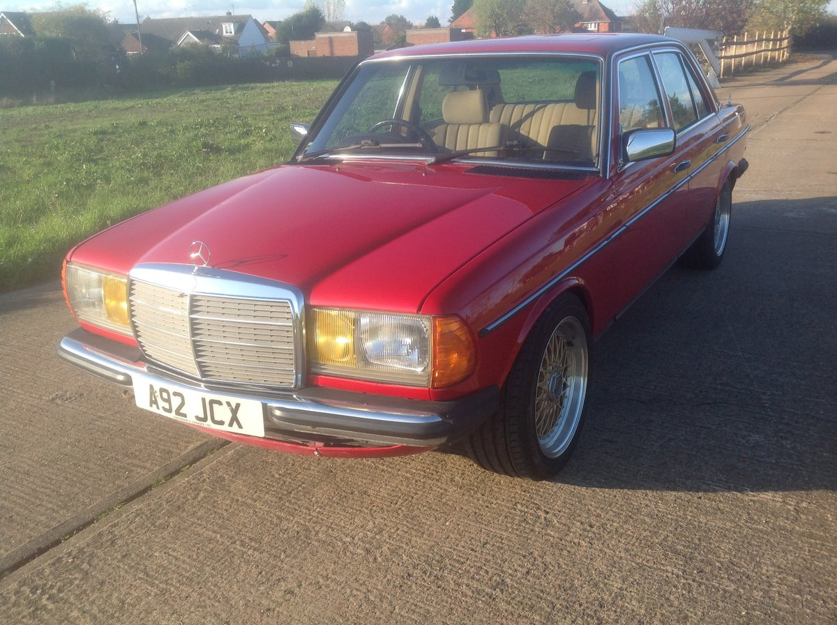 1983 Mercedes W123 200 Manual For Sale (picture 1 of 6)