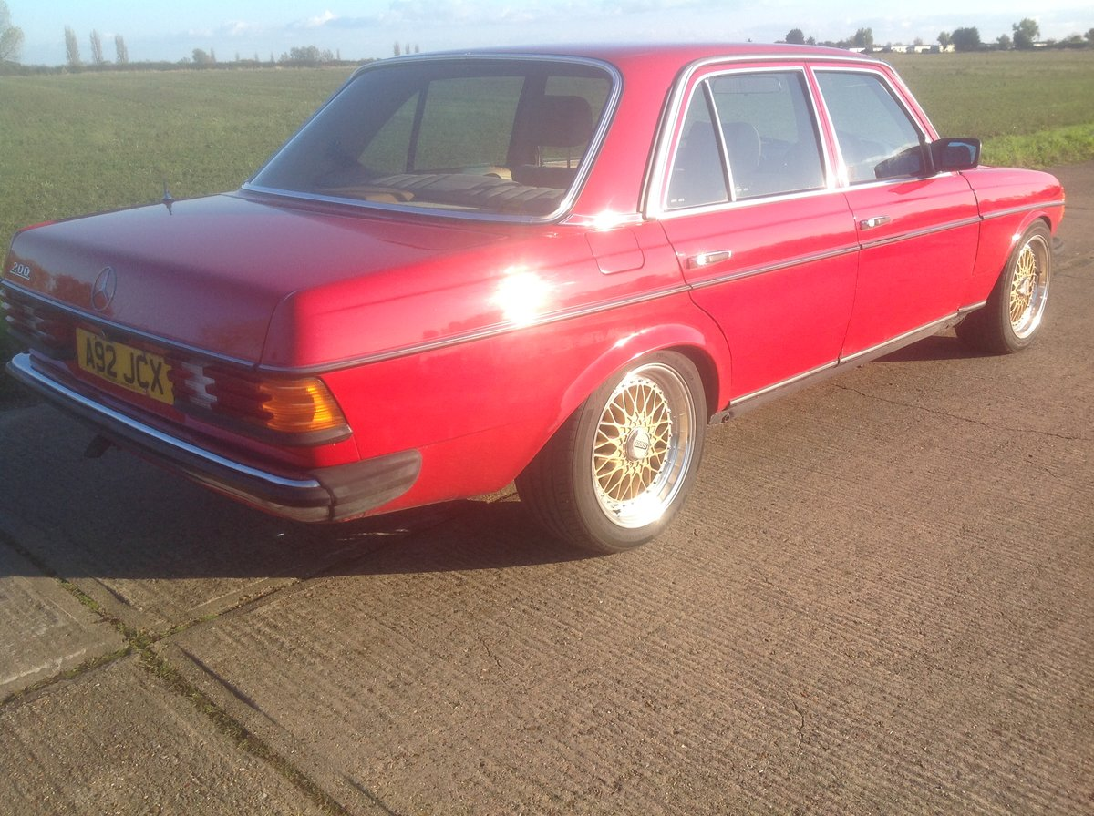 1983 Mercedes W123 200 Manual For Sale (picture 2 of 6)