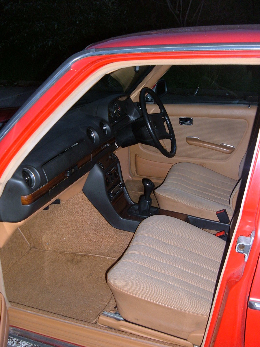 1983 Mercedes W123 200 Manual For Sale (picture 4 of 6)