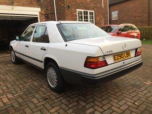 1988 Mercedes 260E W124 Arctic White For Sale