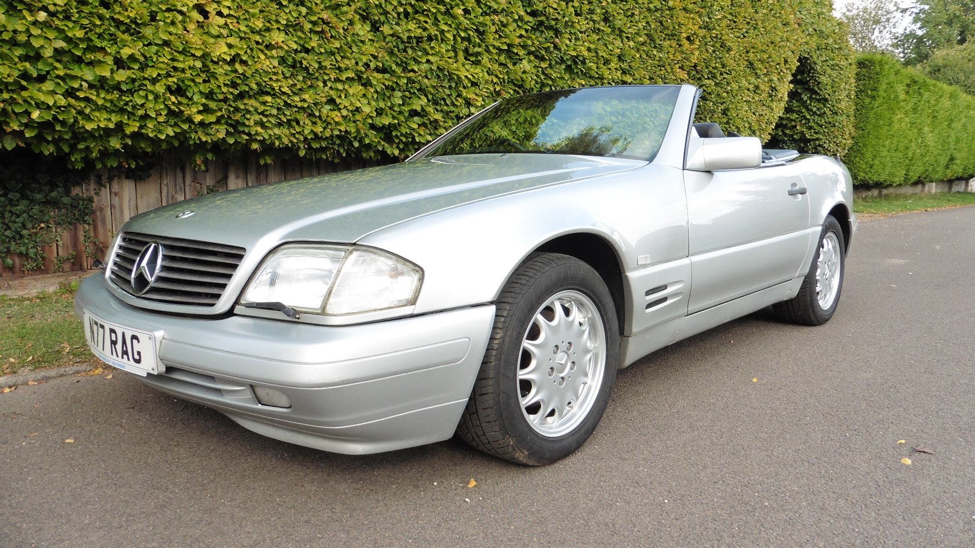 1996 Mercedes SL320 For Sale (picture 1 of 6)