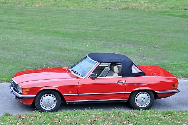 1989 Mercedes Benz 300SL (Only 48, 000 Miles) For Sale (picture 3 of 6)
