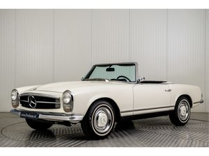 1967 Mercedes 230 SL Pagode + Hardtop For Sale