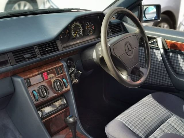 1993 Mercedes 320ce 3.2 auto sportline convertible For Sale (picture 5 of 6)