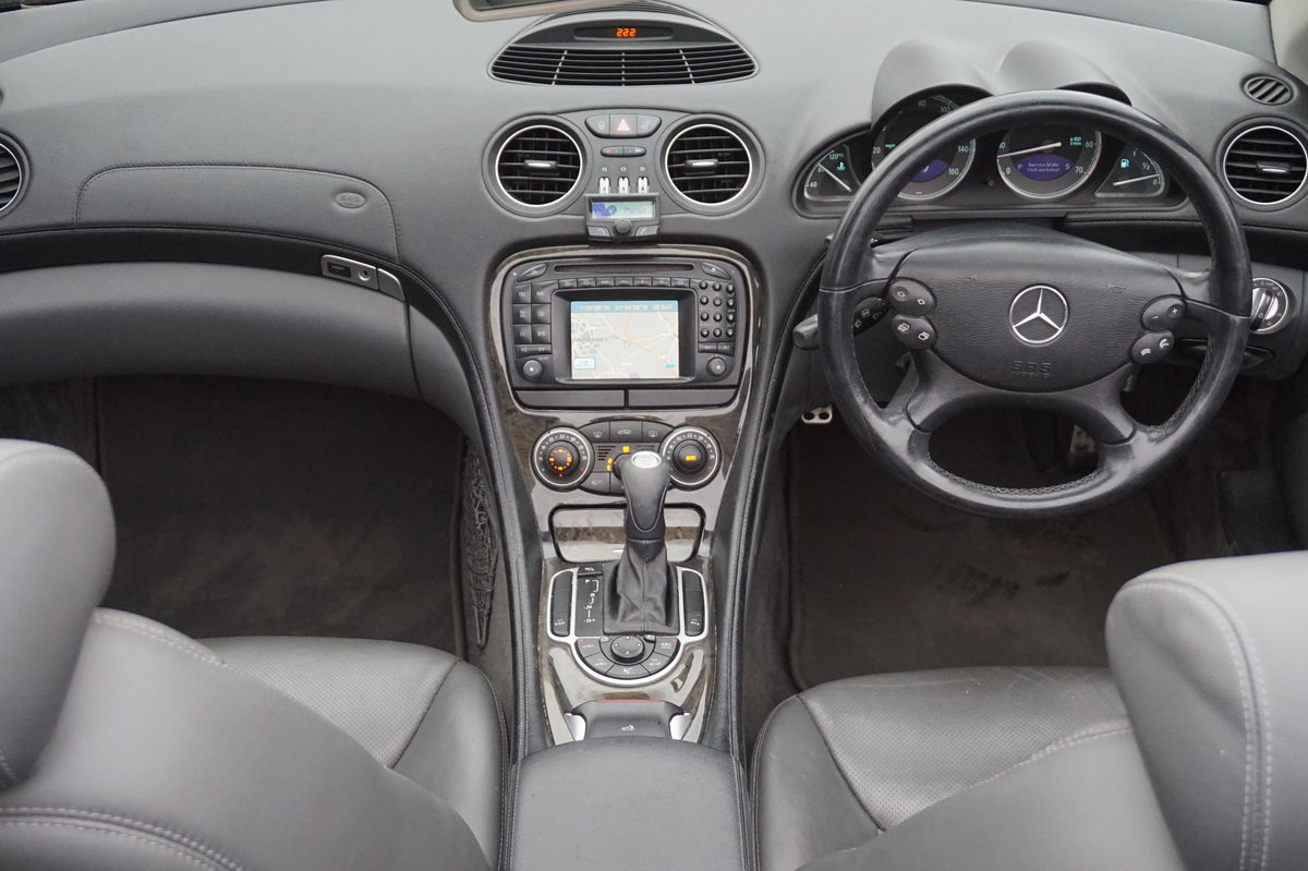 MERCEDES BENZ 2003 PAN ROOF/SAT-NAV/HEATED COOLING SEATS For Sale (picture 3 of 5)