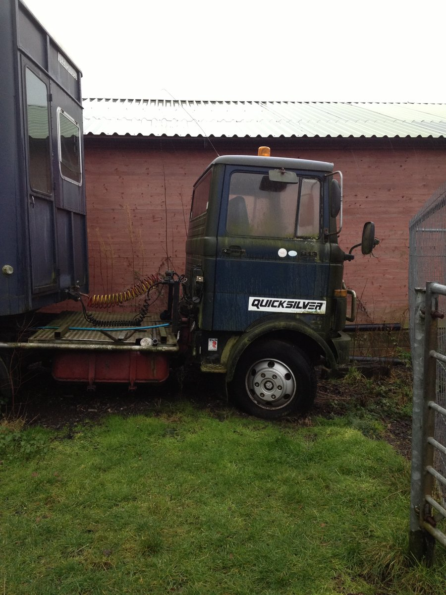 1983 Mercedes 813 Horse box trailer and unit For Sale (picture 1 of 3)