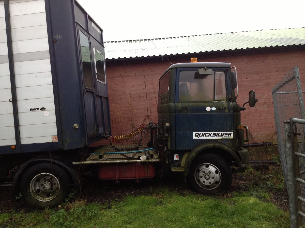 1983 Mercedes 813 Horse box trailer and unit For Sale (picture 3 of 3)
