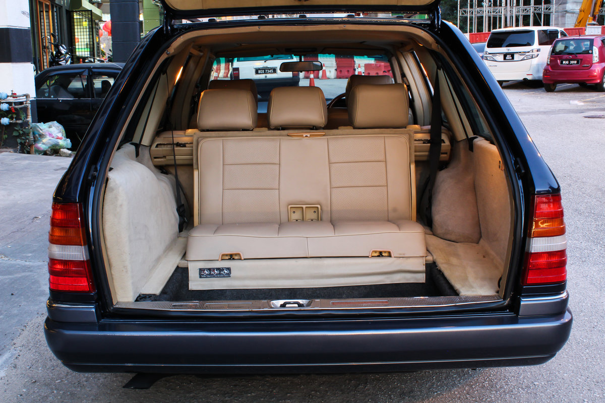 Mercedes-Benz 300TE 24-valve 1990 For Sale (picture 6 of 6)