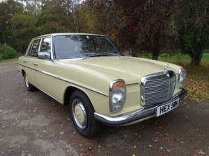 Picture of 1974 1975 MERCEDES BENZ 230/4 AUTO PAS SOLD