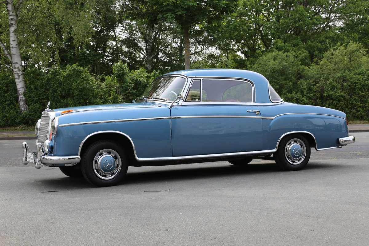 """1958  Mercedes 220 SE Coupe W128 """"Ponton"""" with rare sunroof SOLD (picture 2 of 6)"""