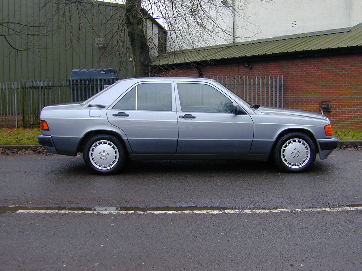 1990 MERCEDES BENZ 190 2.5d DIESEL AUTOMATIC RHD - EX JAPAN! For Sale (picture 2 of 6)