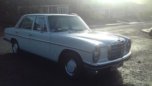 1973 Mercedes 280 w114 2.8l **rare** For Sale