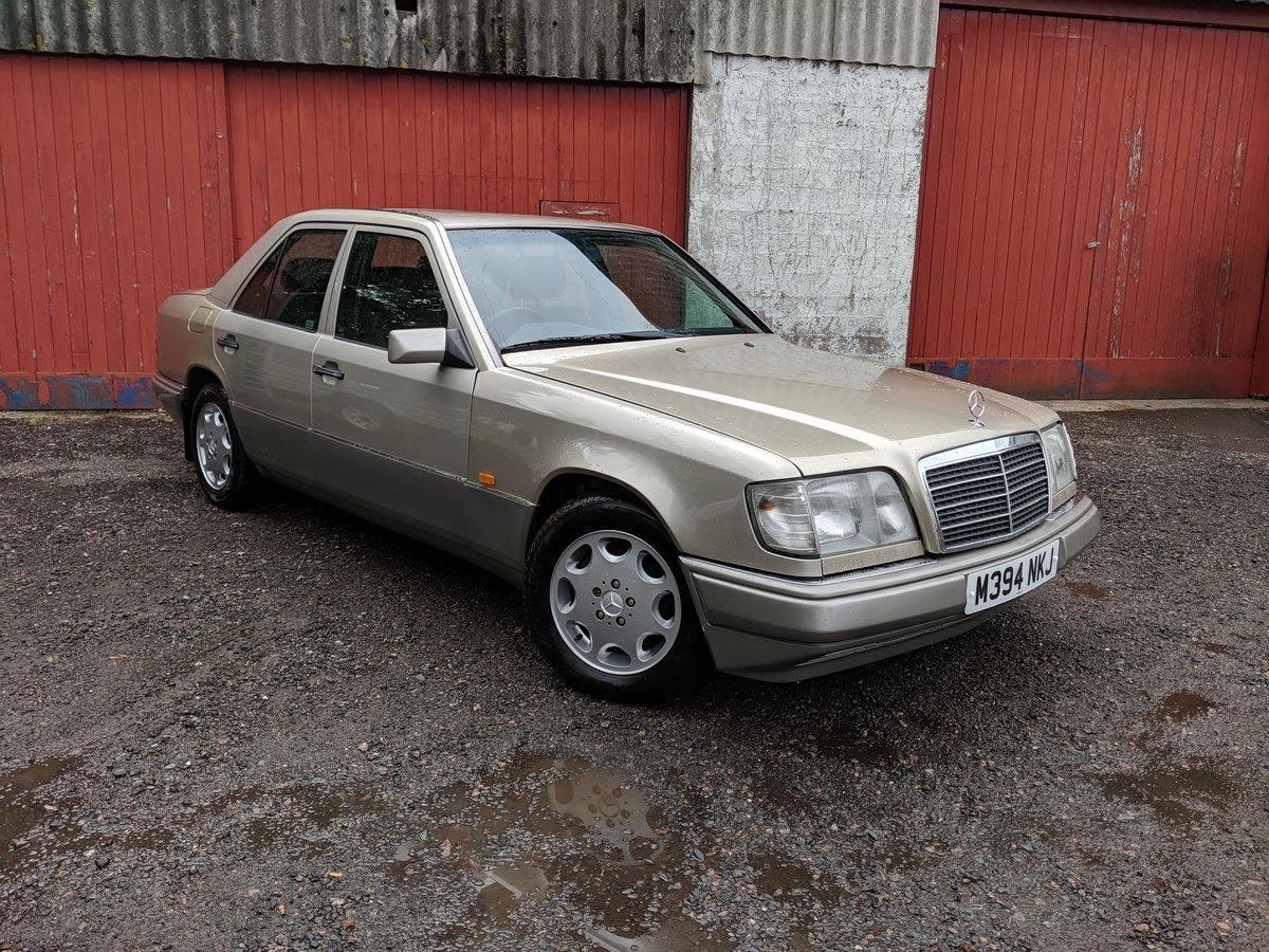 1994 Mercedes E280 Automatic FSH For Sale (picture 2 of 6)
