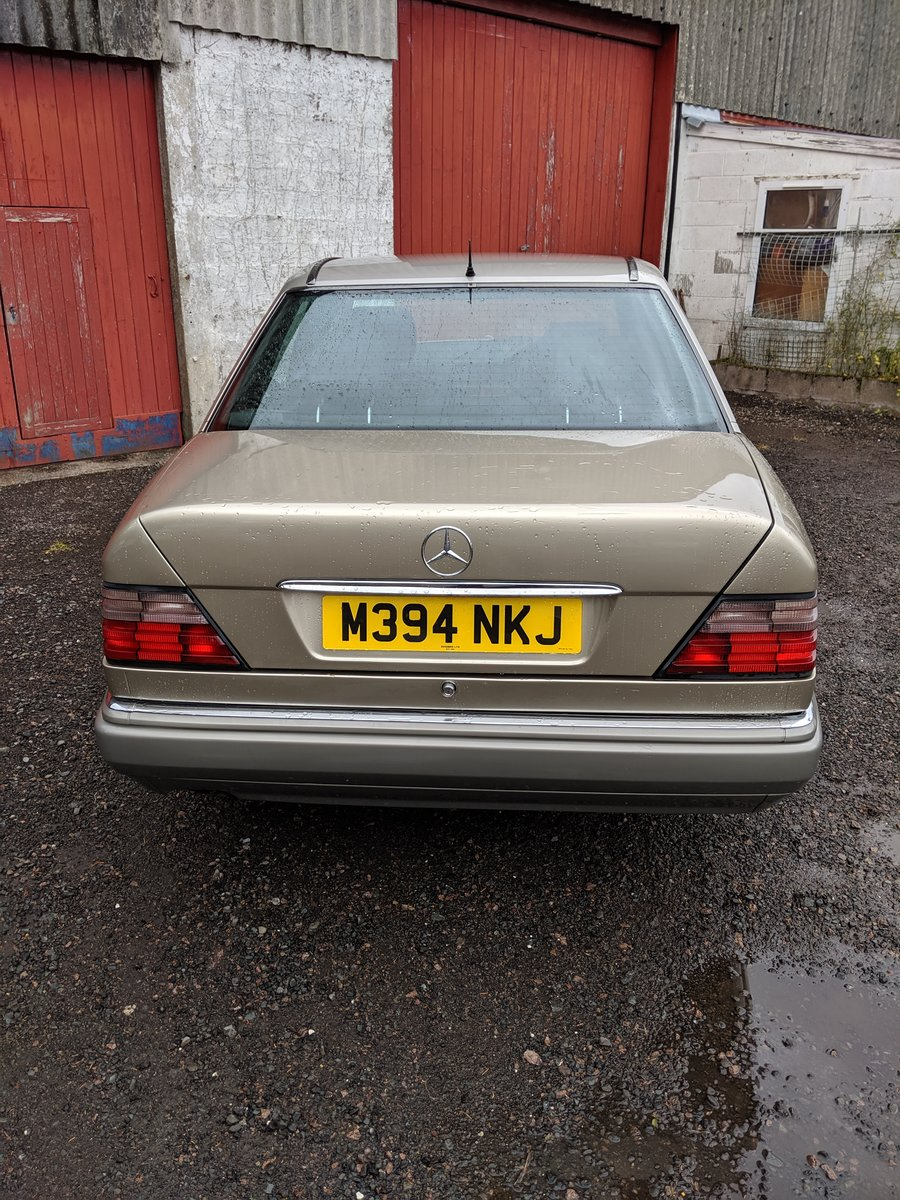 1994 Mercedes E280 Automatic FSH For Sale (picture 3 of 6)