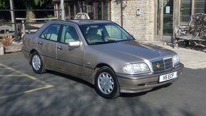2000 Mercedes c200 elegance automatic.