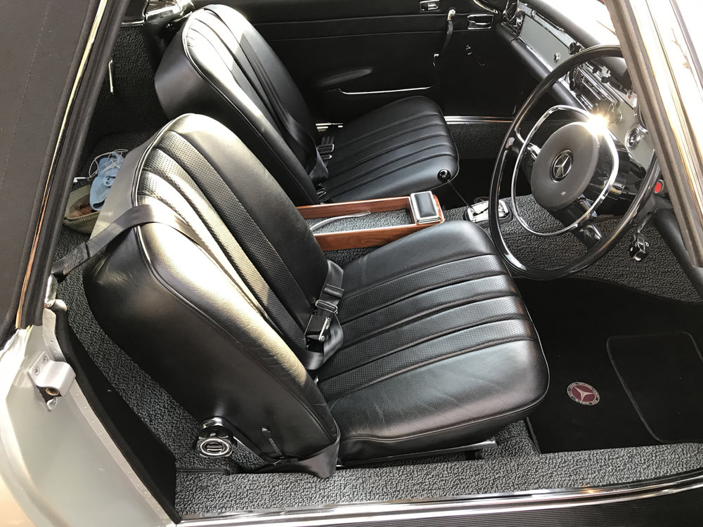 1970 Mercedes Benz 280SL - completely restored SOLD (picture 4 of 24)