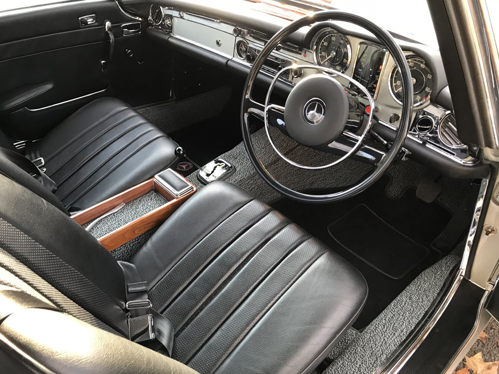 1970 Mercedes Benz 280SL - completely restored SOLD (picture 10 of 24)