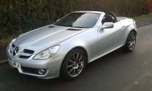 FABULOUS 2010 (60) SLK 200K AUTO DEMO+ONE PRIVATE 71K FMBSH For Sale