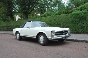 1968 Mercedes Benz 250SL Pagoda manual