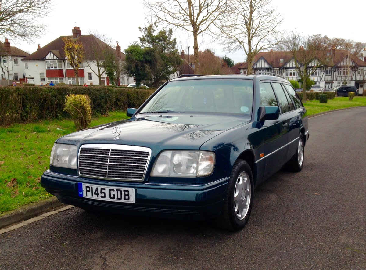 1996 Mercedes W124 200TE 7 Seater Estate E Class FSH For Sale (picture 1 of 6)