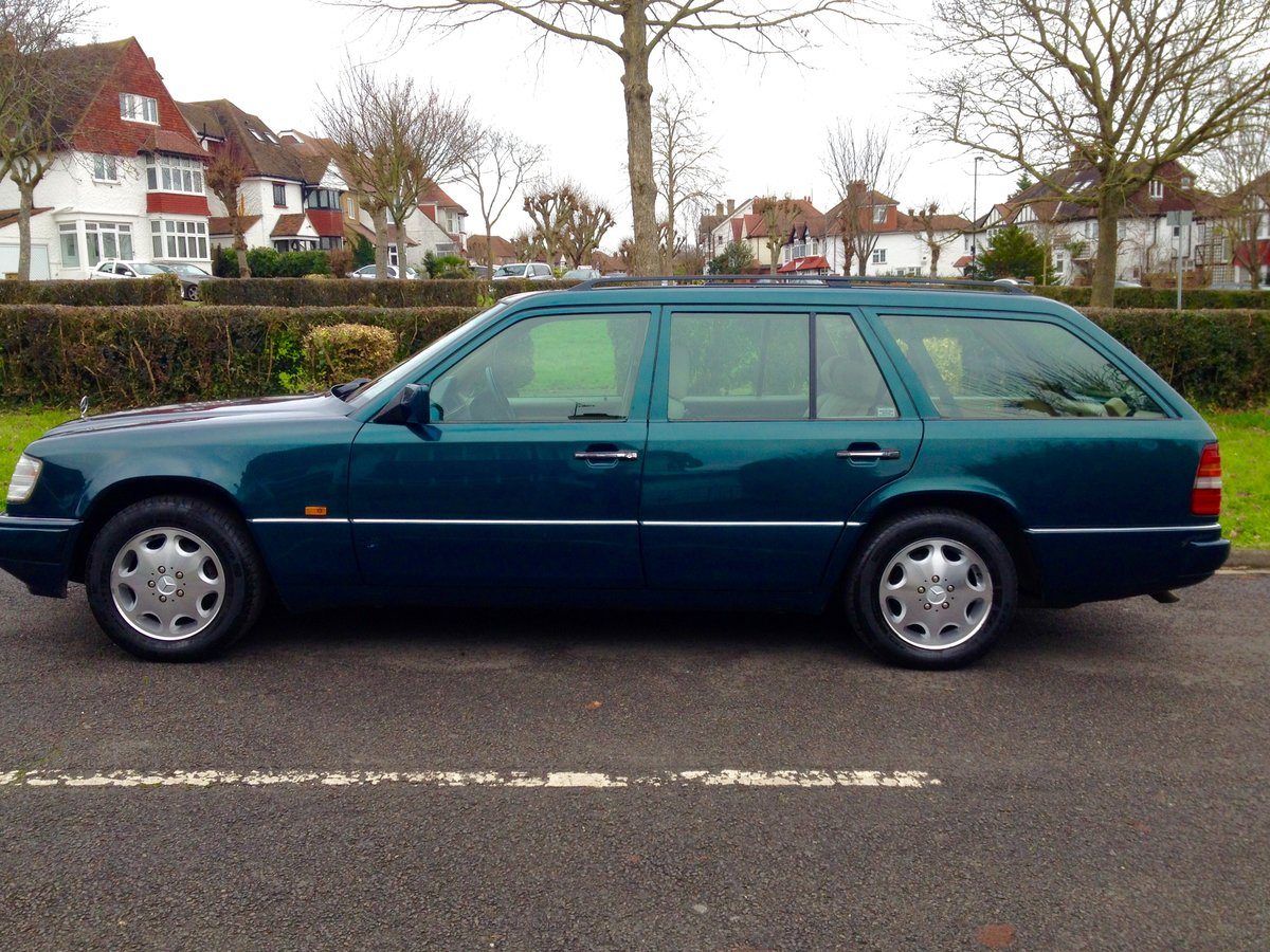 1996 Mercedes W124 200TE 7 Seater Estate E Class FSH For Sale (picture 2 of 6)