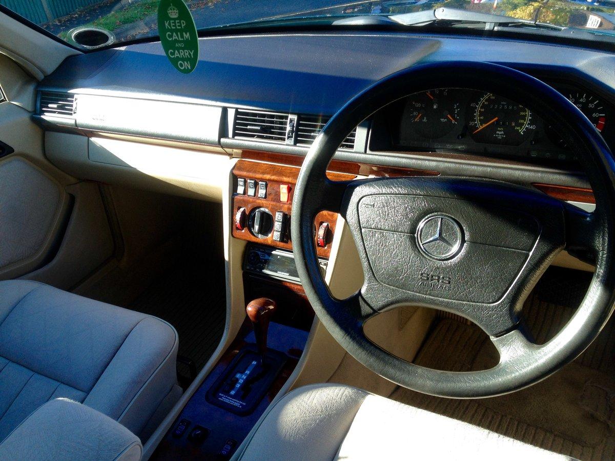 1996 Mercedes W124 200TE 7 Seater Estate E Class FSH SOLD (picture 4 of 6)