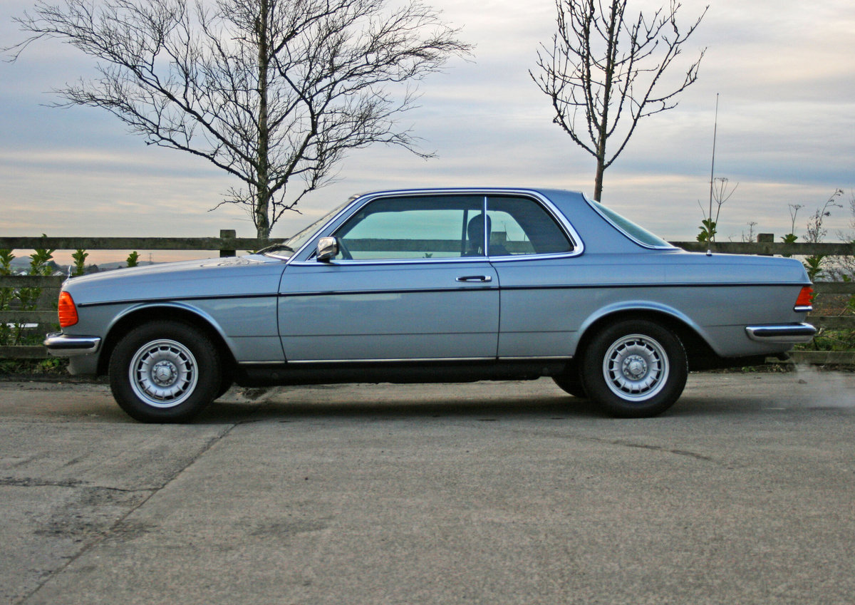 1981 Mercedes Benz 280CE (W123) For Sale (picture 1 of 6)