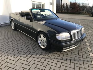 1994 Mercedes E320 Cabrio Top condition